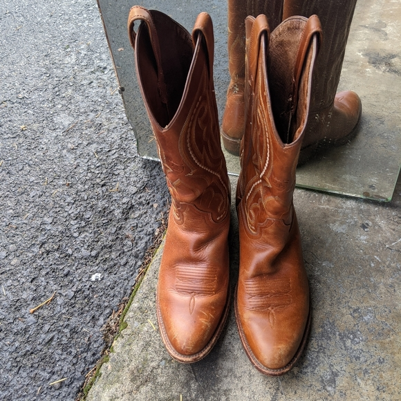 Ariat Real Leather Western Boots for Men and Women